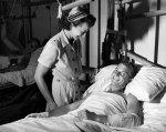 Pielęgniarka przy pacjencie